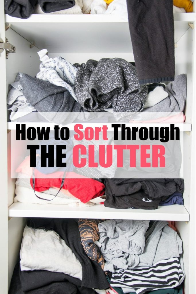Knowing where to start and how to sort through the clutter is the stage that takes the longest and where people tend to get stuck most often when it comes to organizing a room. These 5 tips will help.