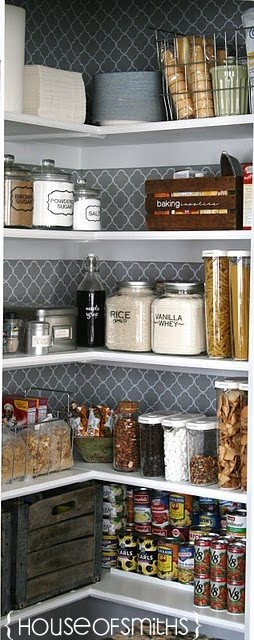 organizing the pantry 02