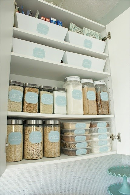 Organizing the Pantry 03