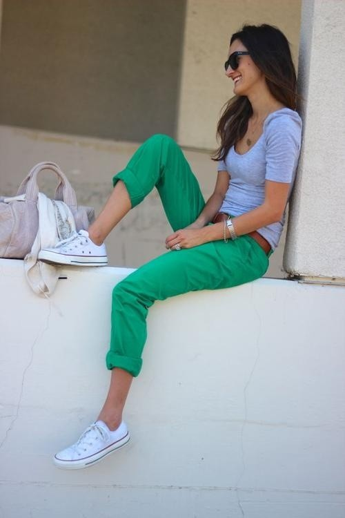 cute outfit ideas gray t-shirt