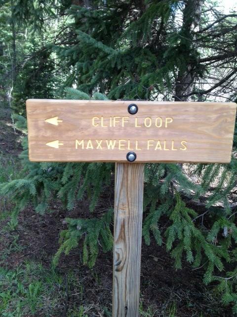 Maxwell Falls Trail Hike 01