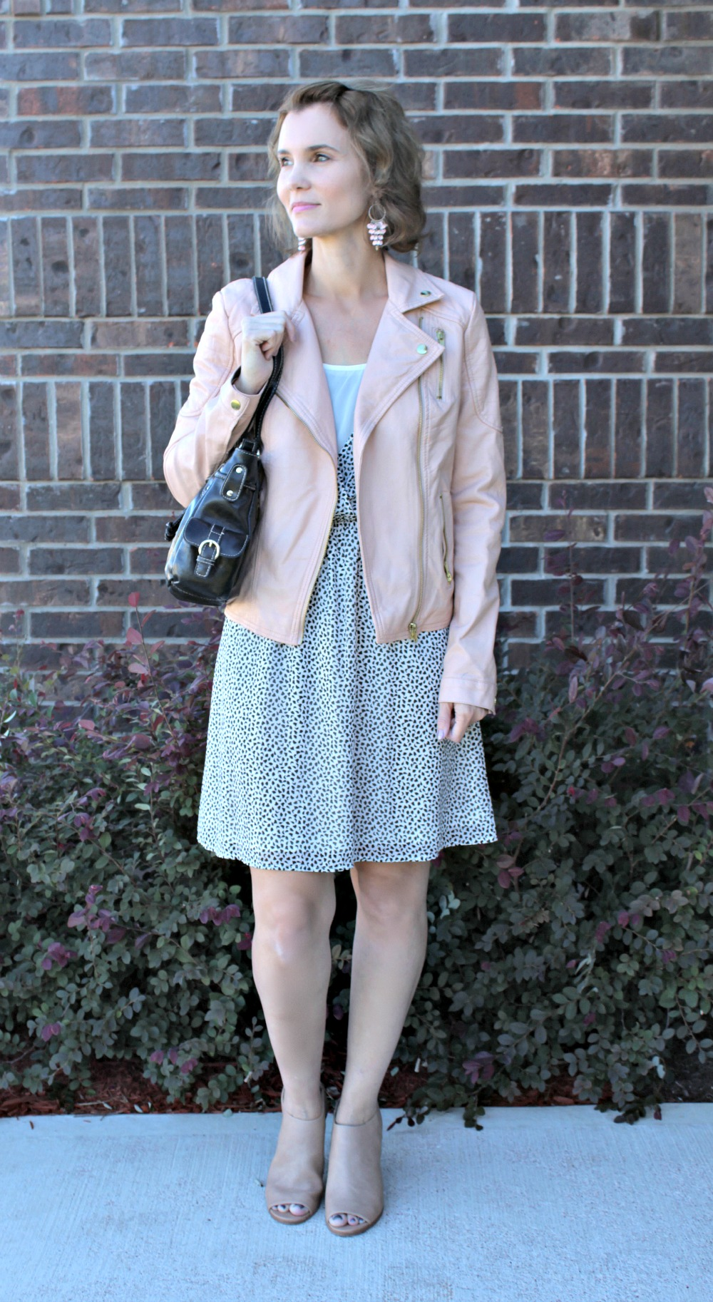 Cute Outfit Ideas Featuring a Pink Leather Jacket
