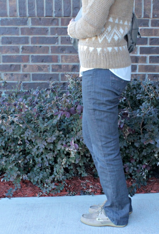 What to wear with gray jeans 04