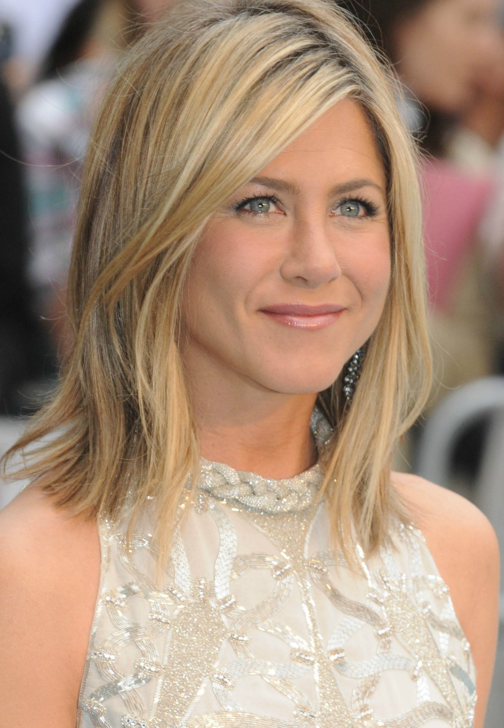 Outstanding 25 Medium Length Hairstyles You39Ll Want To Copy Now Short Hairstyles Gunalazisus