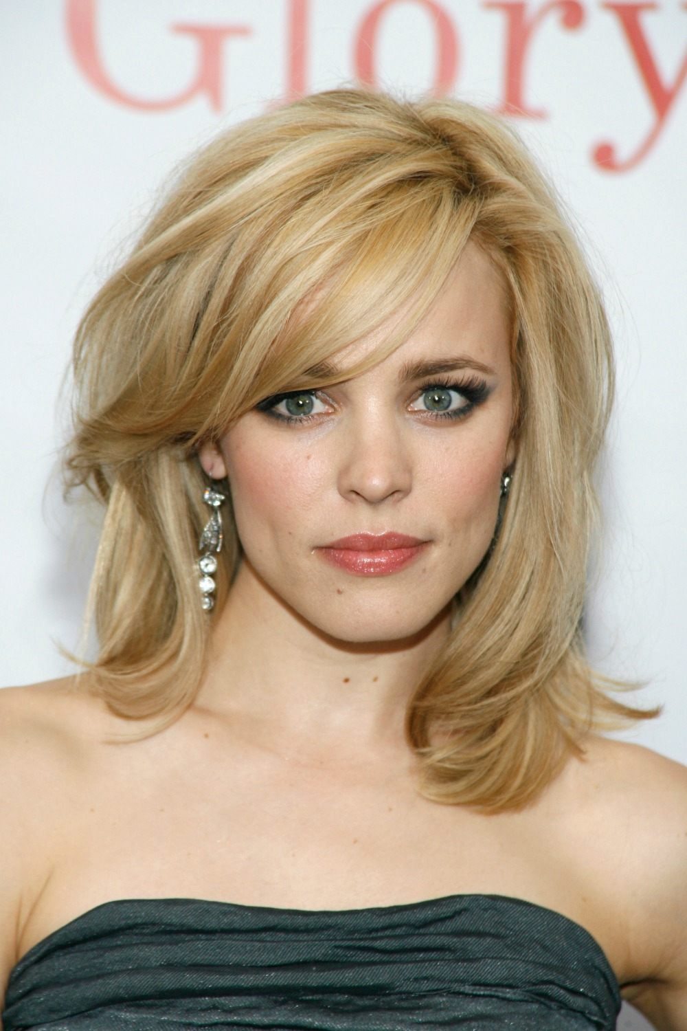 This is one of my favorite looks on Rachel McAdams. It's longer than