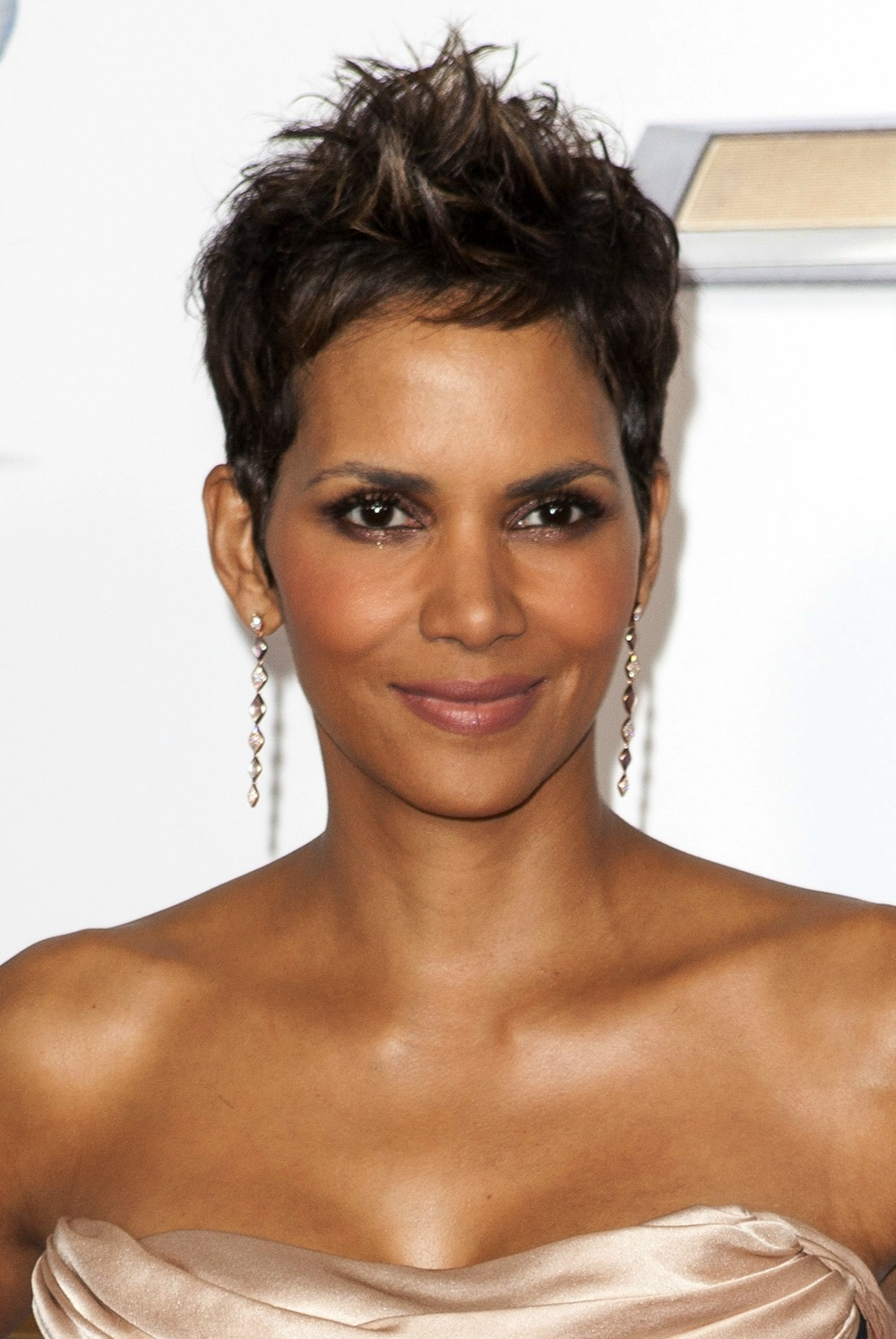 The Pixie Haircut - Celebrity Women Who Sport The Look