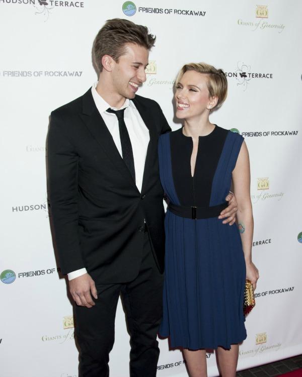 Scarlett Johansson Pixie Haircut
