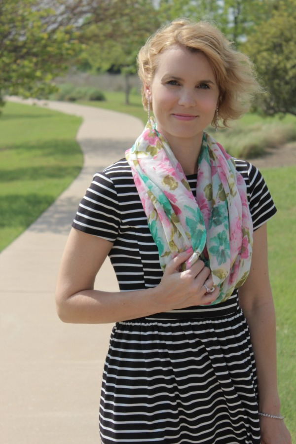 Floral Scarf Outfit Ideas-04
