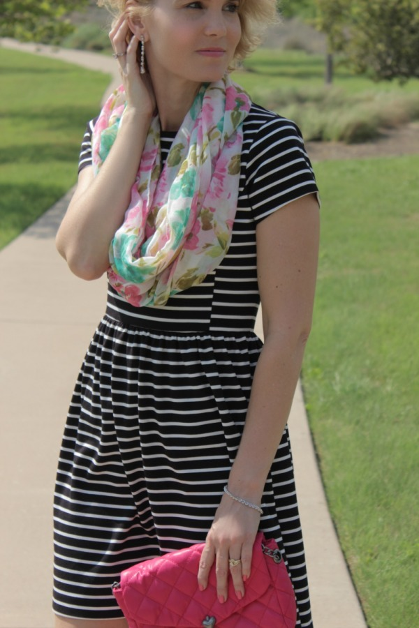 Floral Scarf Outfit Ideas-06