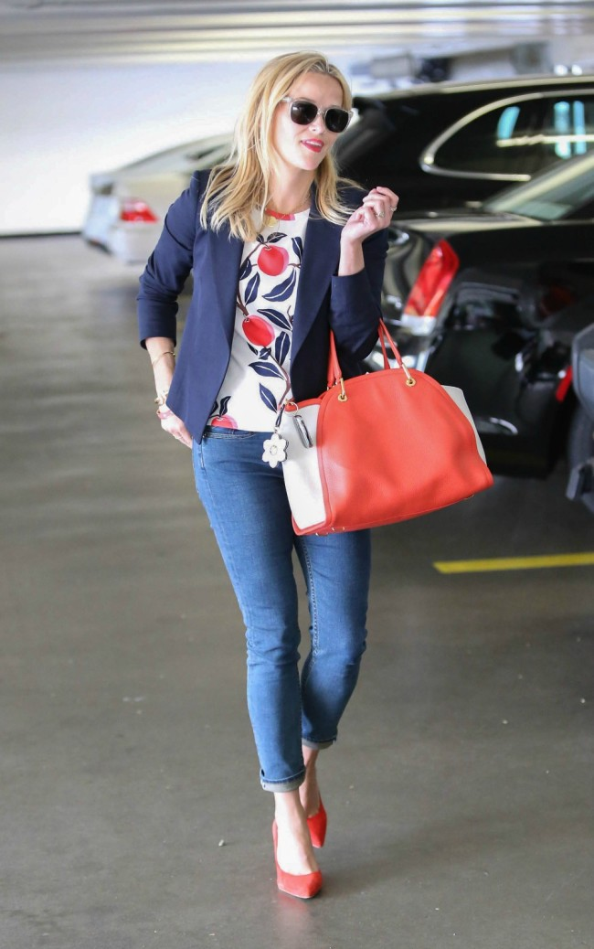 Celebrity Mom Style Reese Witherspoon-01