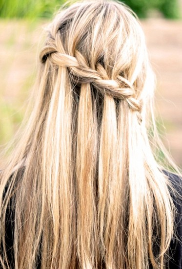 25 gorgeous half up half down hairstyles to try today looking for some easy half up half down hairstyles this look is perfect for events solutioingenieria Gallery