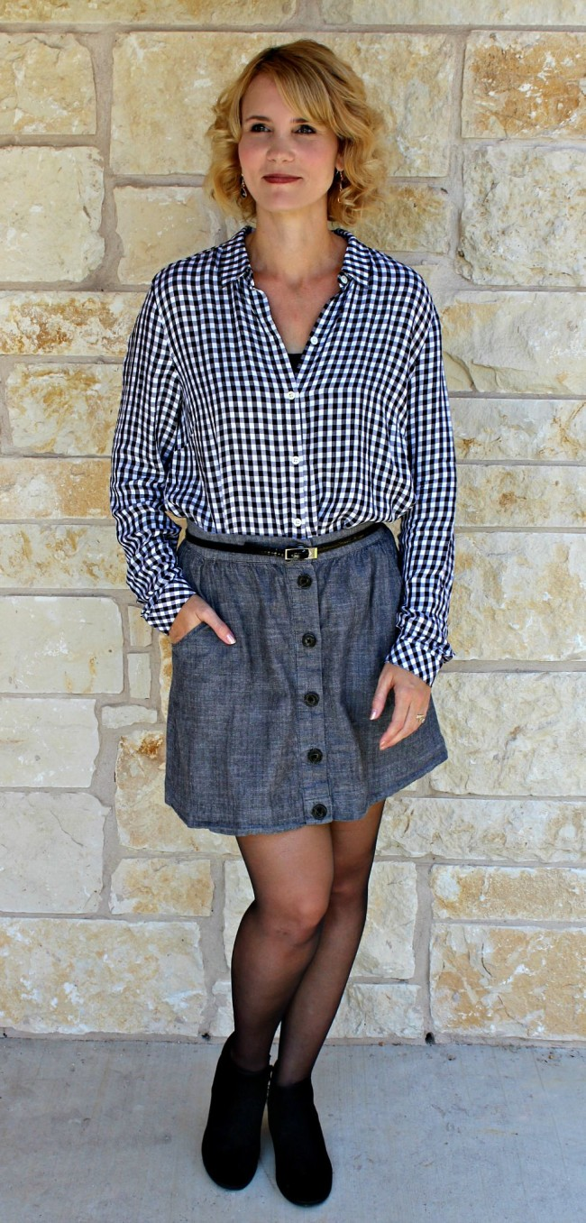Gingham Shirt Outfit Ideas-09