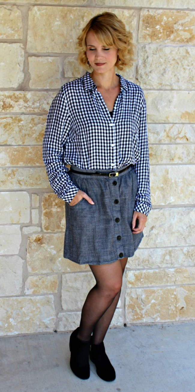 Gingham Shirt Outfit Ideas-10