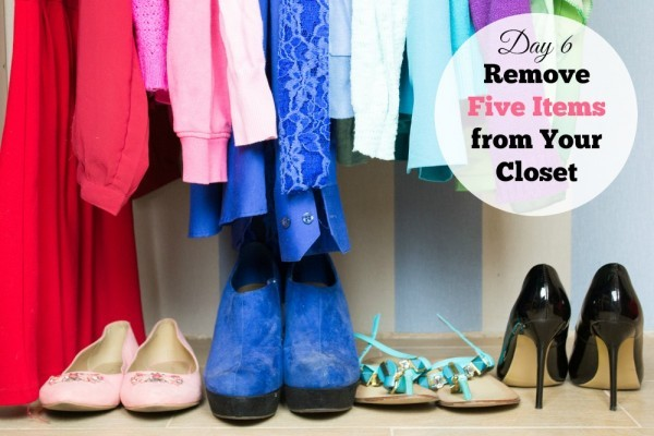 Day 6 of 31 Days of Fashion is a challenge. Can you get rid of five things in your closet? I got rid of over 100. See why and how it made me feel.