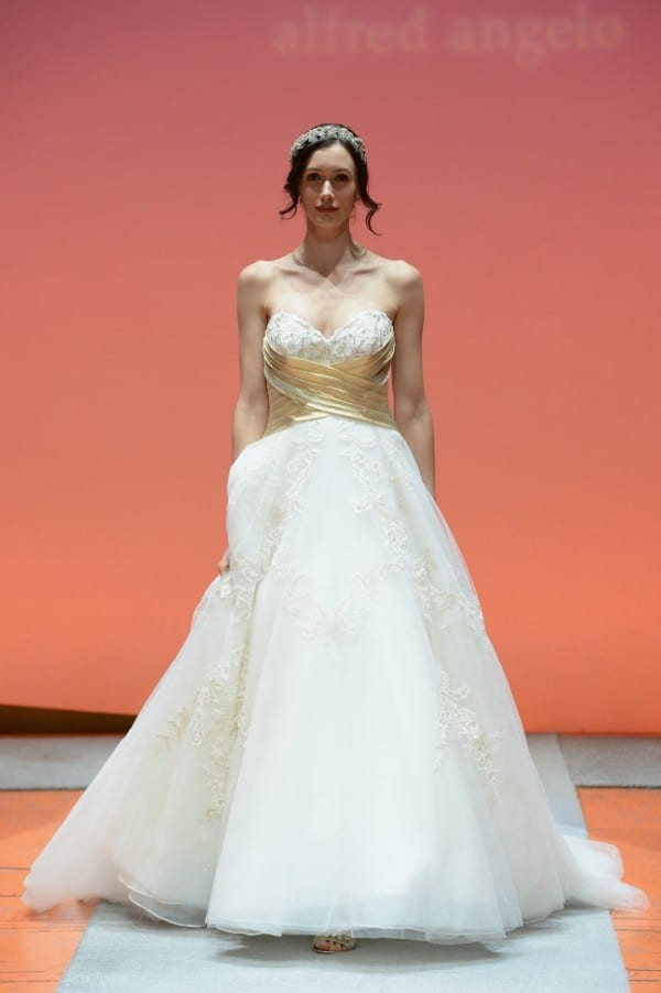 Snow White wedding gown 2016