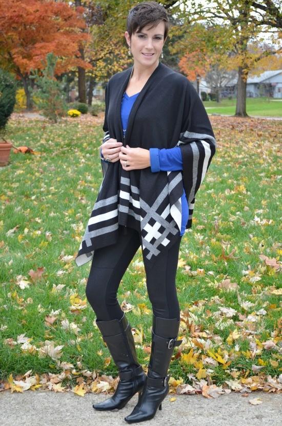 These poncho outfits will give you some fabulous inspiration for your fall wardrobe. Throw one over jeans or leggings and you're set!