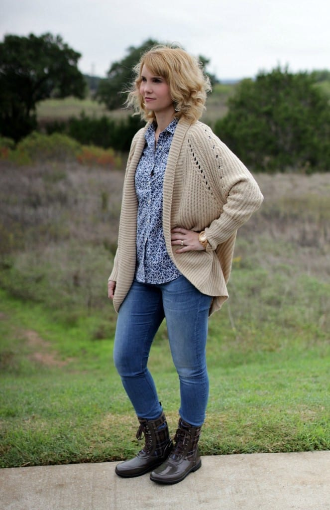 How does one dress in style for a wet fall and winter? Check out my Bogs boots outfit where I combine style and functionality. It's functional fall fashion at its best.