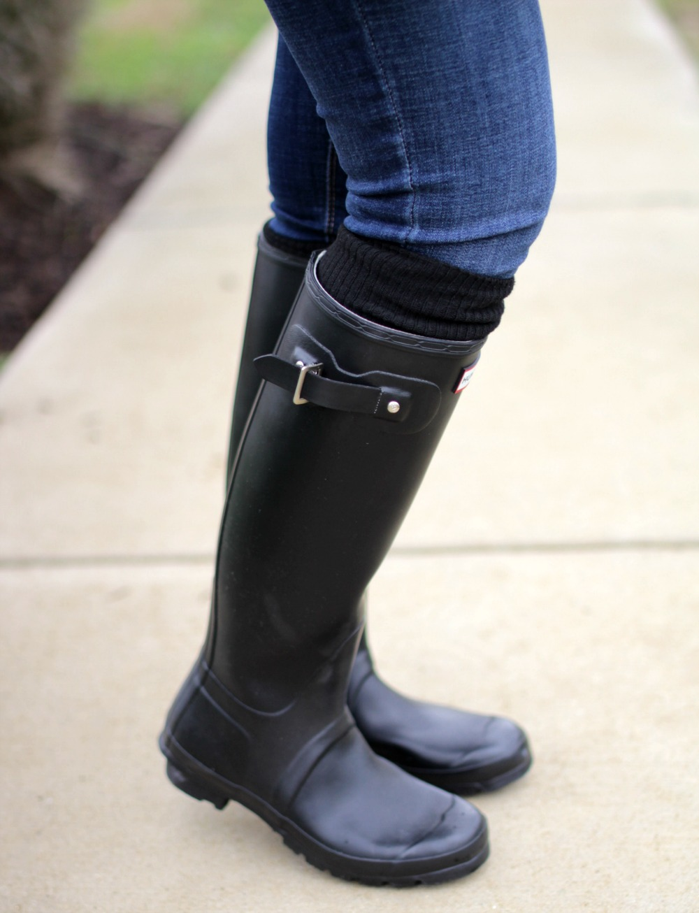 the perfect sweater hunter boots mom fabulous. Black Bedroom Furniture Sets. Home Design Ideas