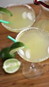 Easy Margarita Recipe – 4 Ingredients x 12 Ounces Each