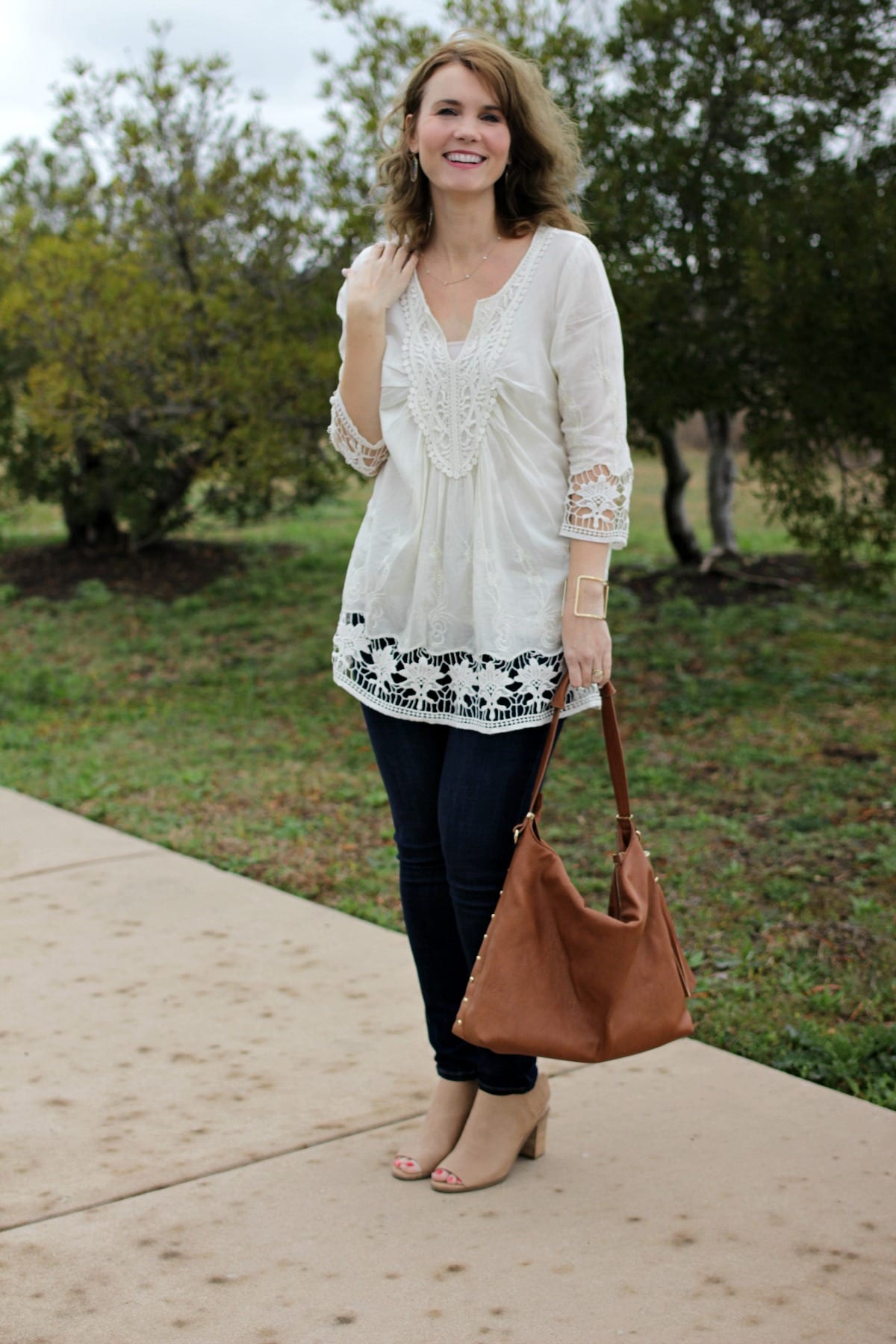 Three ways to wear a white tunic shirt mom fabulous for Is a tunic a dress or a shirt