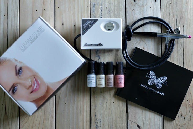 Luminess Air Airbrush Makeup Kit -- Have you ever tried an airbrush makeup kit? If you have acne scars, rosacea or want fuller coverage for a big event in your life, this kind of foundation application might be just what you're looking for.