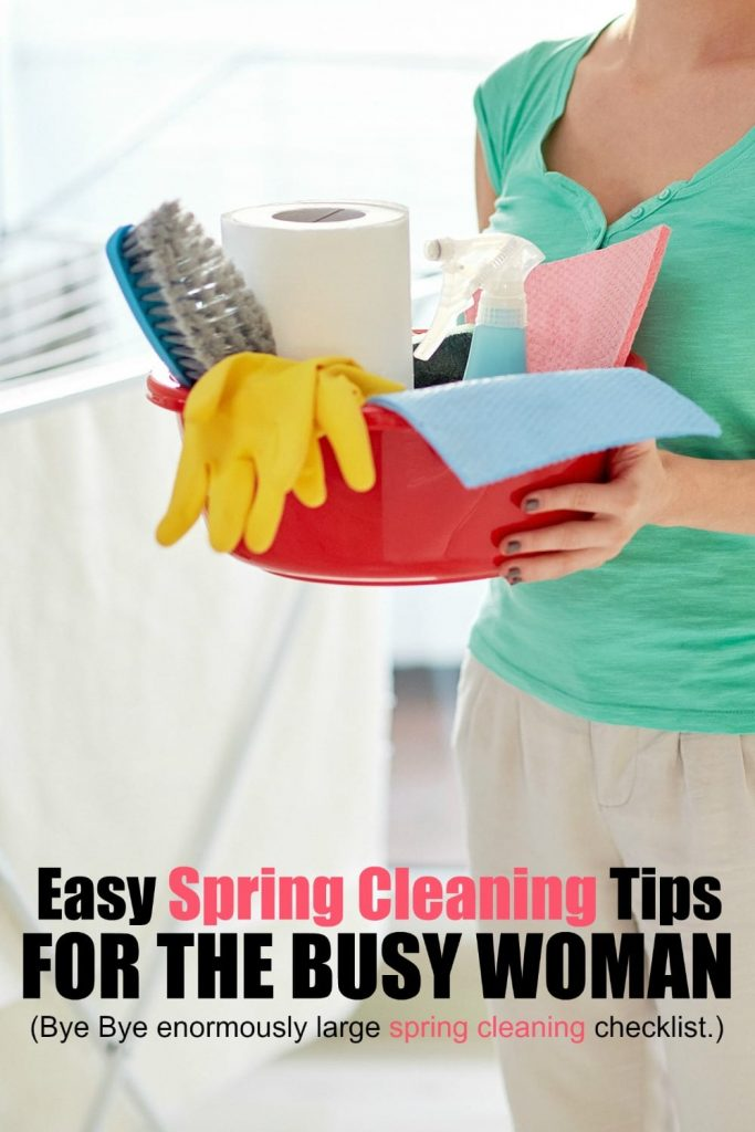 Does the term 'spring cleaning' make your eye twitch, your heart beat a little faster and send your energy level way down? I hear ya. Me too. It's not that I hate to clean and my home isn't super messy, but when I start looking at spring cleaning tips and checklists, it stresses me out! Here's how I tackle spring cleaning so it fits in with my busy life.