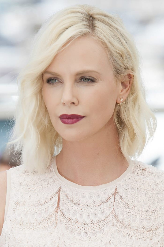 These 15 celebrity hair styles from the past month, will surely give you some inspiration for your next style. Whether you have short, medium or long hair, these cuts, color and styles will guide you (and your stylist) in the right direction with a hairstyle perfect for you. See if you spot any hair trends on the red carpet. I sure saw a lot of bleach blond hair! Click through the see all 15 celebrity hairstyles.
