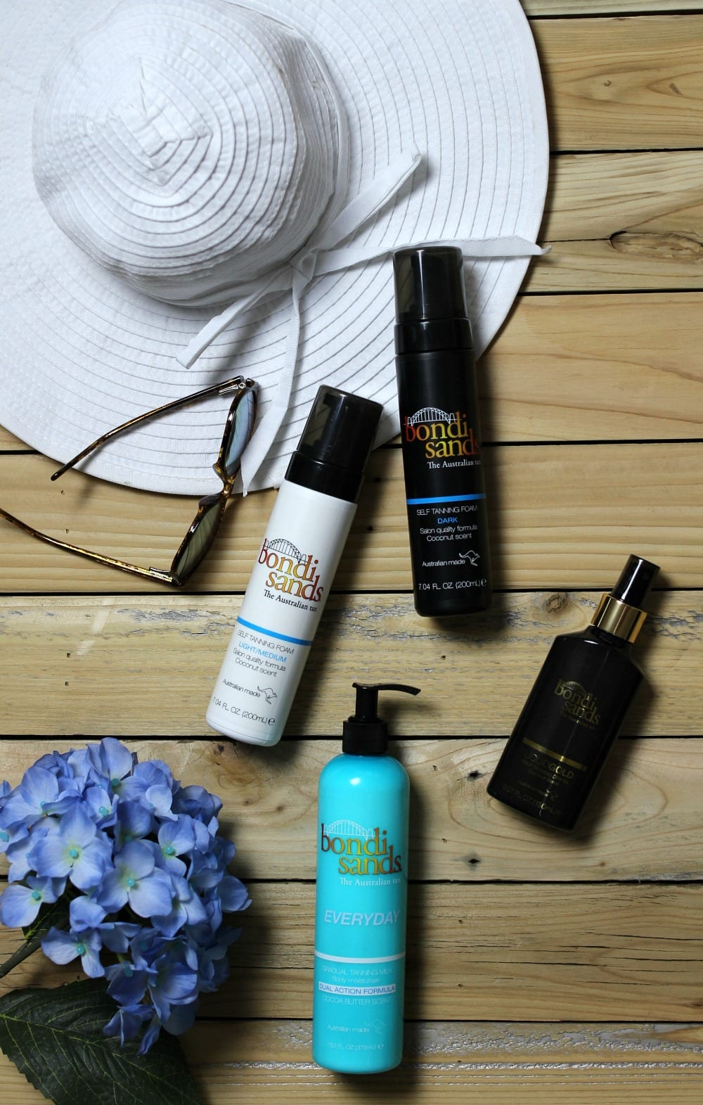 Do you want a summer tan without the sun? Read on to see how sunless tanning products can give you a gorgeous glow with some of my best sunless tanning tips and hacks.