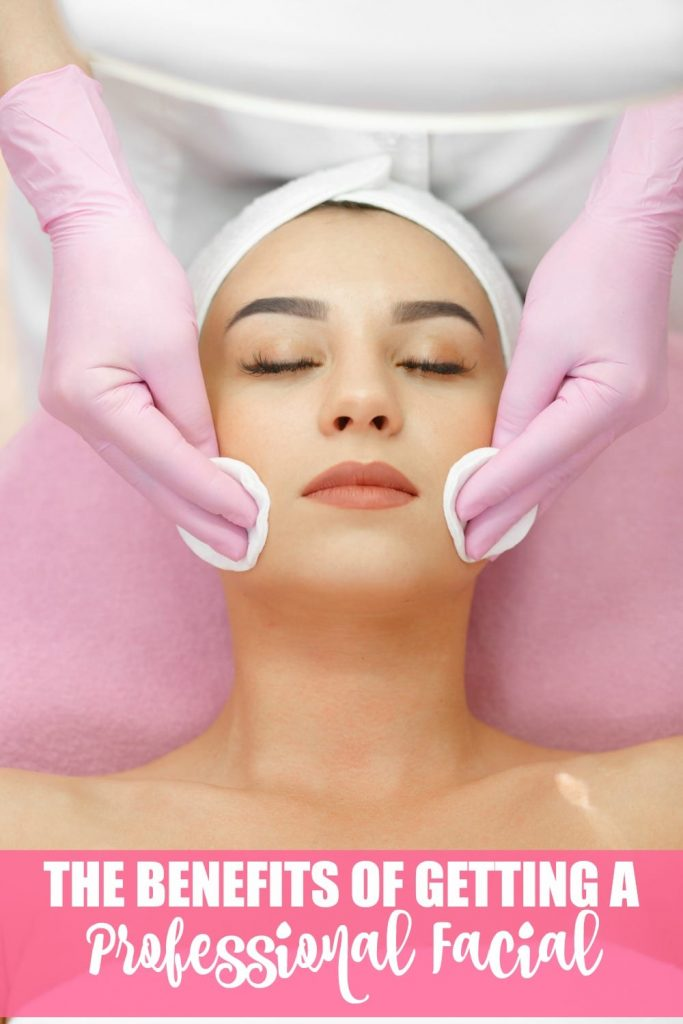 Are there benefits to getting a professional facial? You bet! Click through to find out what they are.