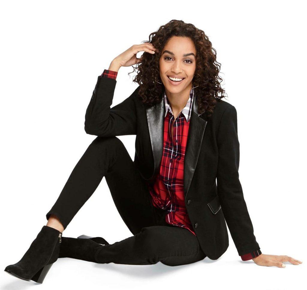 Black blazer outfit idea for fall.