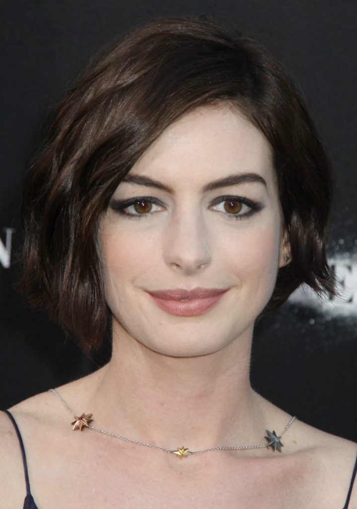 anne-hathaway-short-hair