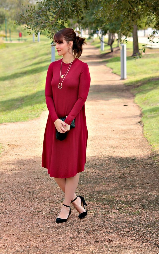 Women's fall fashion - The Remi Long Sleeve Swing dress is the perfect fall wardrobe staple. It can be styled a dozen different ways, comes in 17 colors and is so soft. I love this dress! And this burgundy color is incredible.