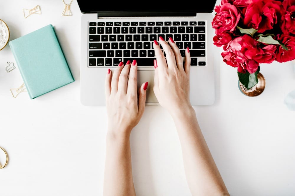 10+ Work-at-Home Jobs That Can Help Fashion Lovers Like You Earn Extra Income
