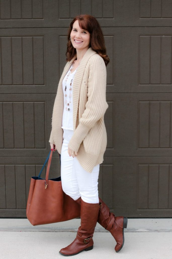 Winter white outfits - something fun to switch things up in your wardrobe a bit!
