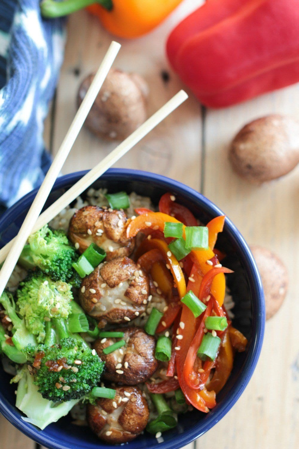 Super Easy Pepper, Broccoli and Whole Mushroom Stir Fry Recipe