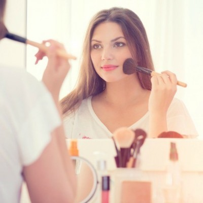 Try One of These 6 Beauty Tricks to Make Your Face Look Thinner