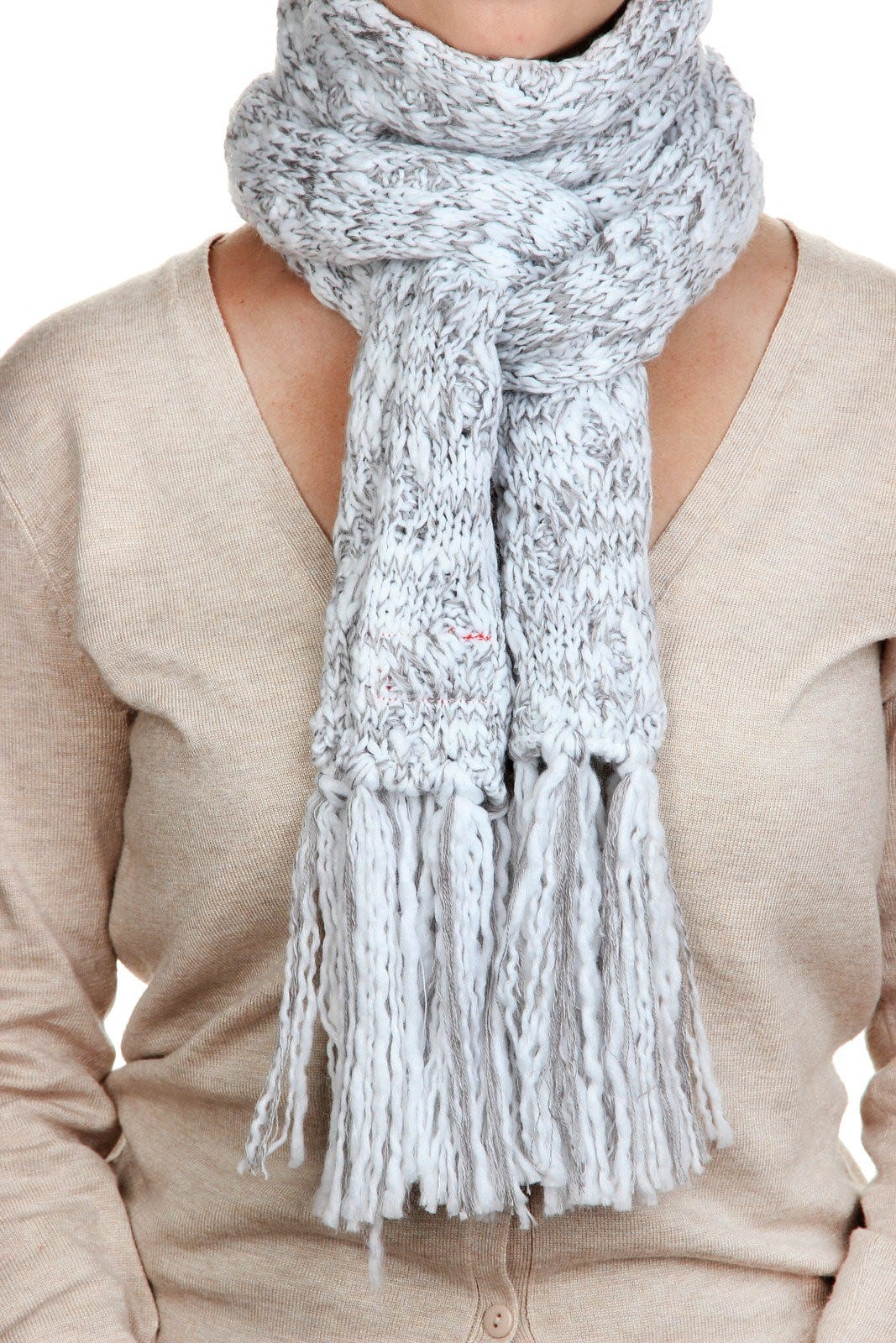 how to tie a fall scarf