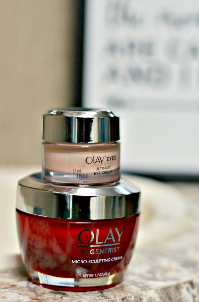 Skincare products that easily fit into a busy lifestyle and they actually work! Join me in the #Olay28Day Challenge to get results with your skincare regimen.