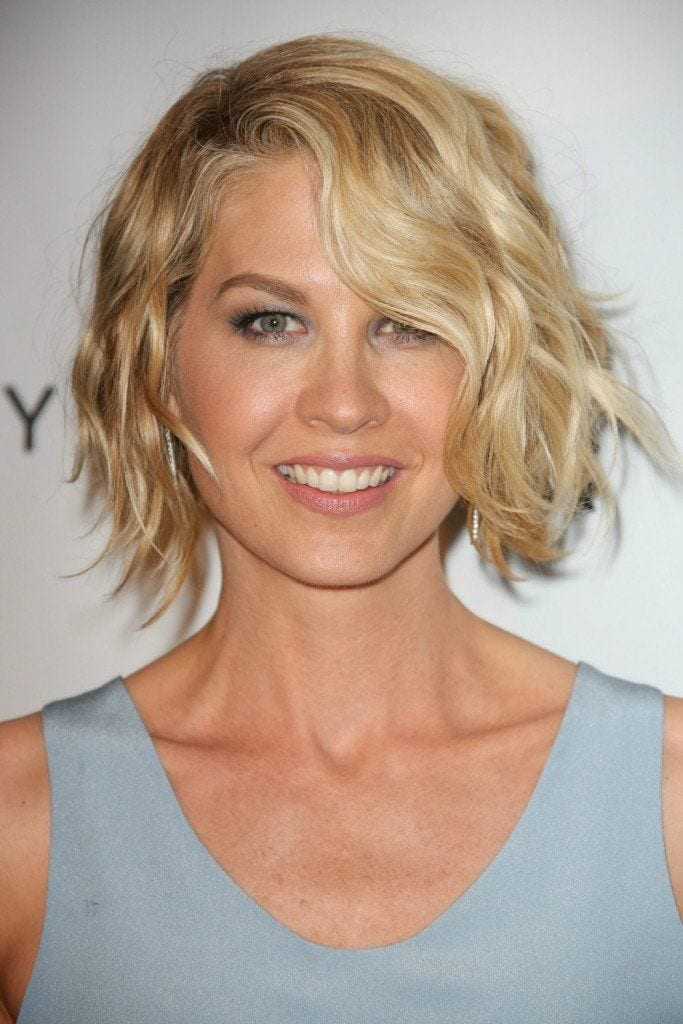 Do You Want Style Without the Heat? Try These Heatless Curls for Short Hair Tips