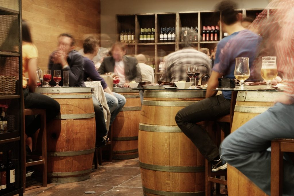 How to Organize a Brewery Crawl with Friends