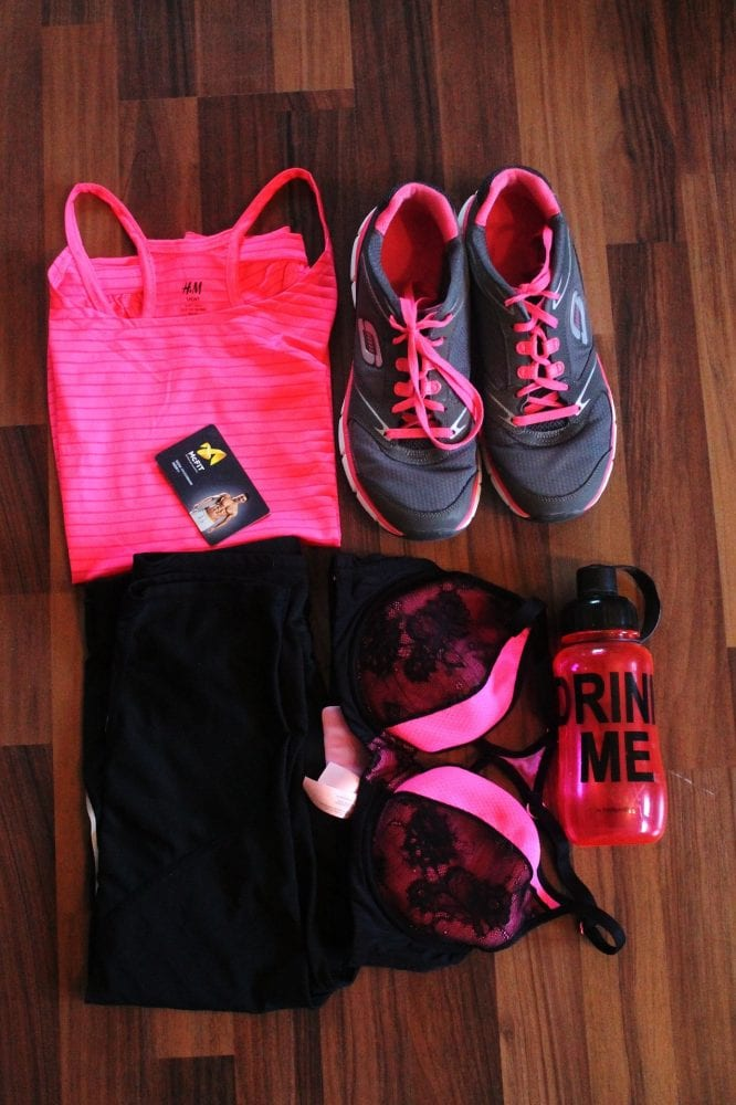 athletic clothes, workout clothes