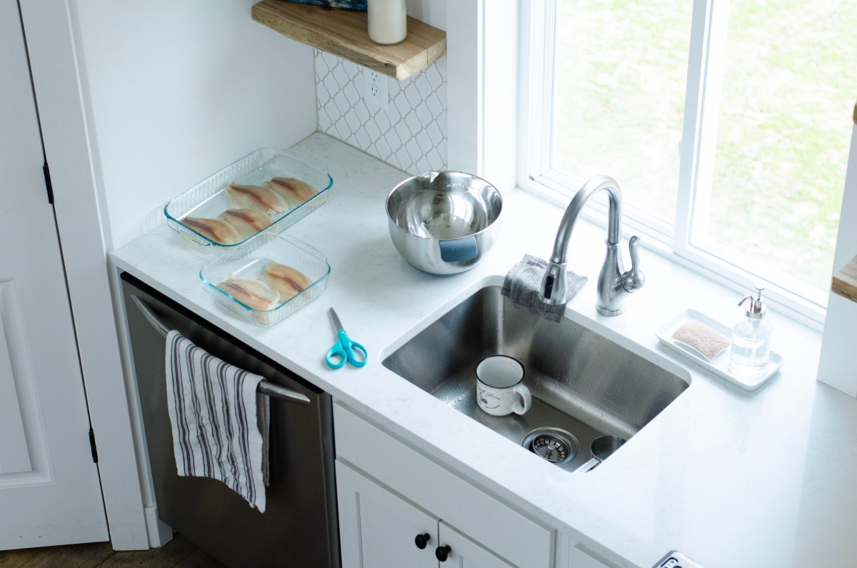 2 Fast And Easy Ways To Clean Your Kitchen Drain Mom